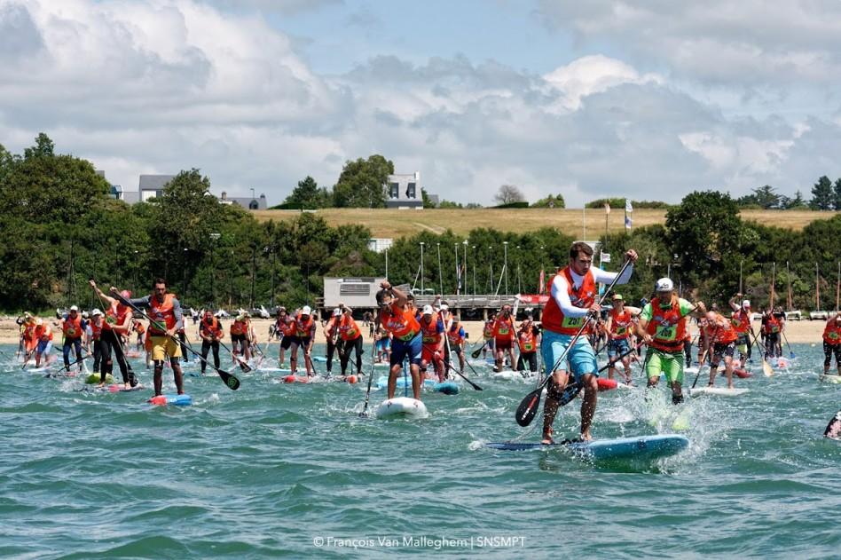 départ de la course de 8 kilomètres de stand up paddle du Morbihan paddle trophy