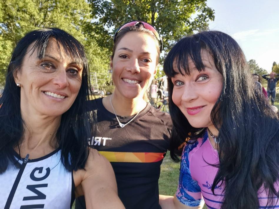 Selfie de notre trio de choc : Charlotte, Delphine et moi